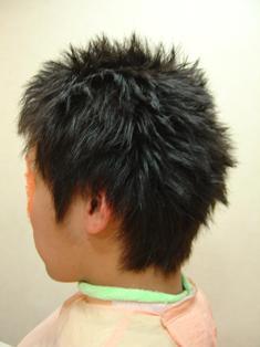 (男)縮毛矯正後ワックスを使用した状態です。 【男性】